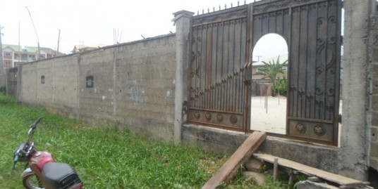 Fully fenced plot of land measuring 986.377sqm