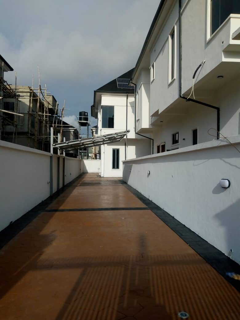 Brand new 4 bedroom detached house with Bq